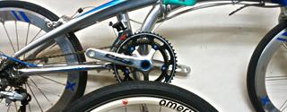 各自転車ブランド多数展示しています。