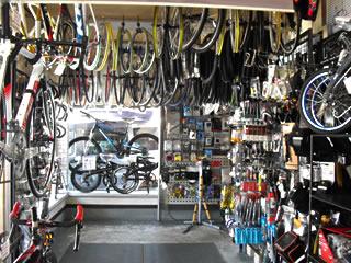 オートバイハウスの店内2